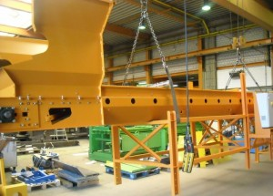 Avermann Roller Belt Conveyor With Feeding Hopper