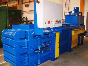 Avermann 147 Horizontal Baler