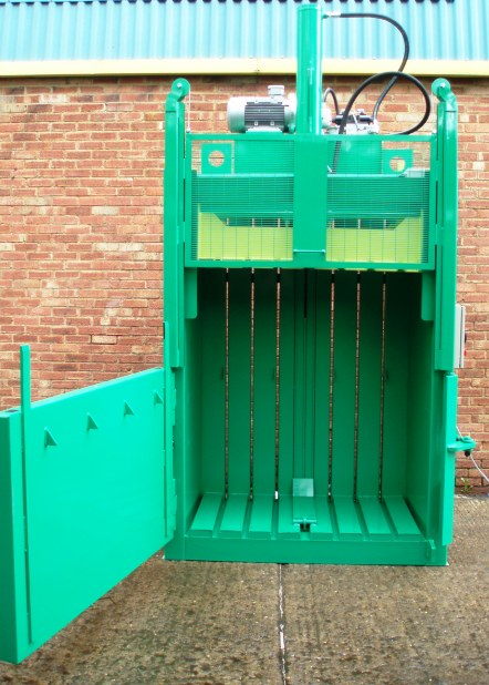 Kenburn KV500 Vertical Baler