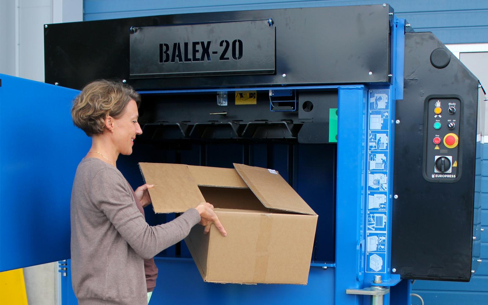 Europress balex-20-baler-loading