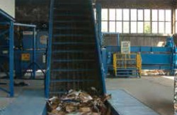 AVOS 2010 B5 fed by conveyor