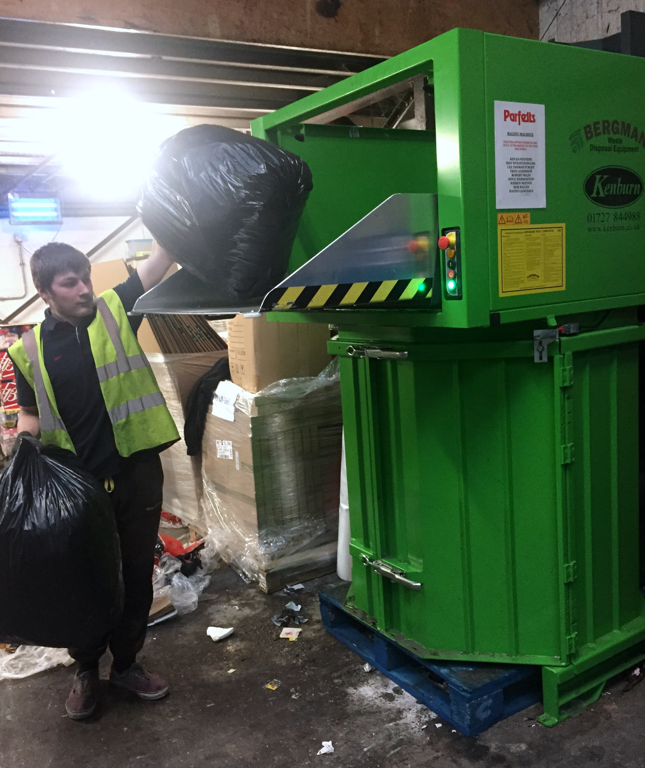 Compact general business waste with Bergmann roto compactor at A G Parfett - Kenburn